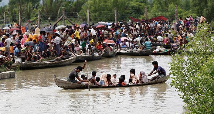 ONU: 370.000 rohinyás han huido a Bangladesh en últimas dos semanas