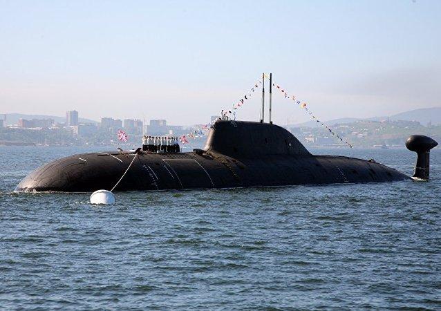 El submarino polivalente K-419 Kuzbass de proyecto 971 Schuka-B en el puerto de Vladivostok, Rusia