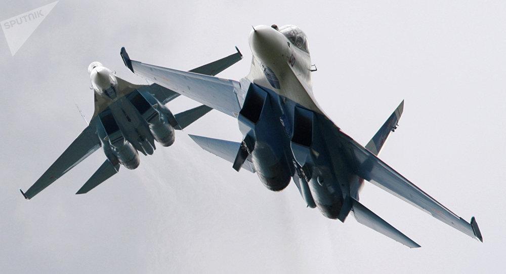 Cazas Su-27 rusos