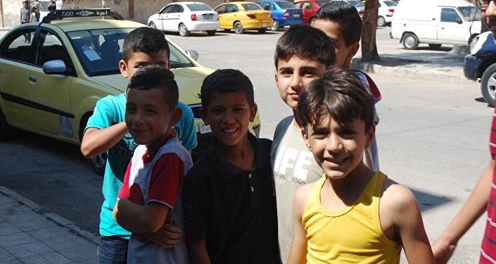 Niños de la ciudad siria de Deir Ezzor