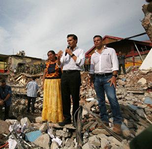 Enrique Peña Nieto, presidente de México, visitando las zonas afectadas por el terremoto