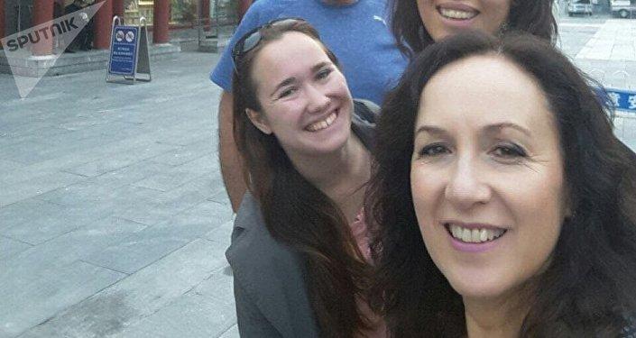 Verónica y otros viajeros en China