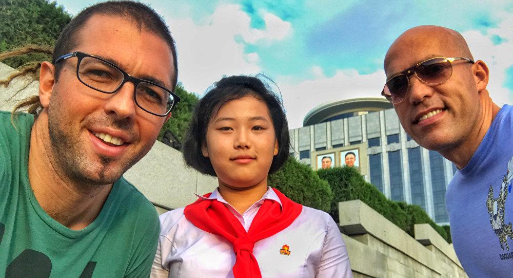 Filip Milosavljevic, guía turístico en Corea del Norte