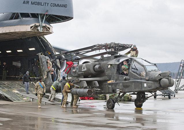 Un helicóptero en la base aérea estadounidense Ramstein (archivo)