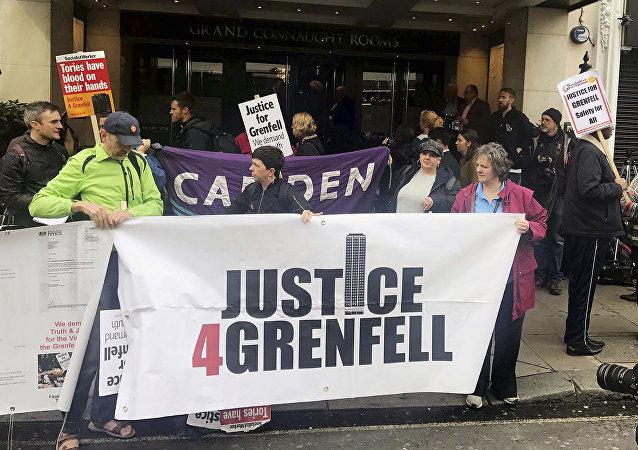 Protestas en Londres tras el incendio del edificio de viviendas Torre de Grenfell
