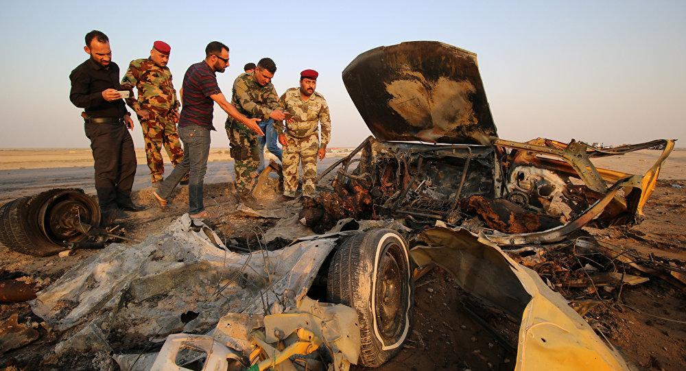 Lugar de explosión de un coche bomba en Irak (archivo)