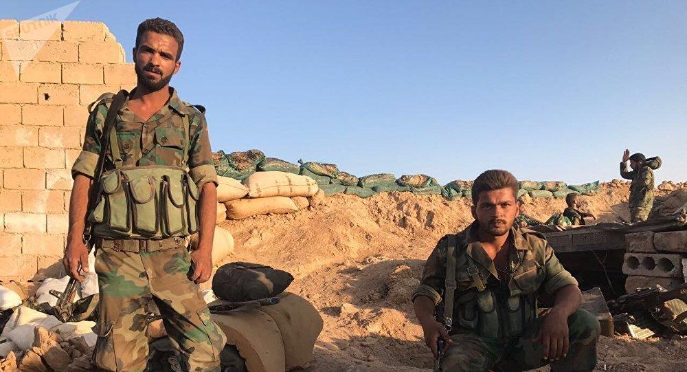 Ayuda gubernamental siria se distribuye en poblados de Deir Ezzor (+Audio)