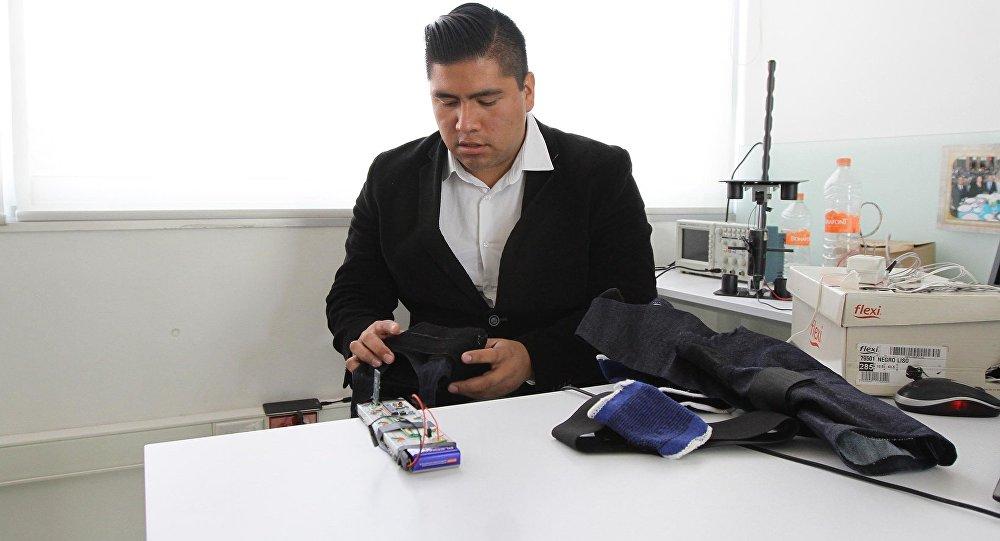 Jóvenes mexicanos apuestan por prótesis biónicas