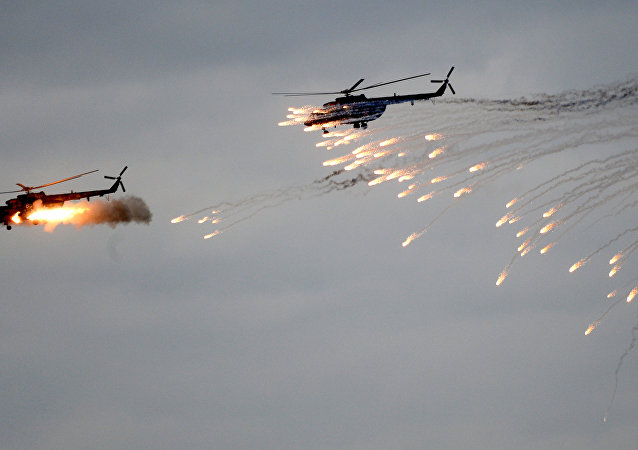 Helicópteros en los ejercicios Zapad 2017