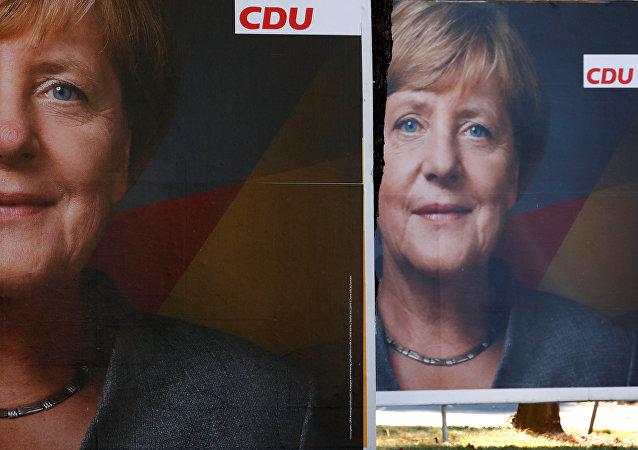 Angela Merkel, canciller de Alemania,  en un poster de la campaña electoral