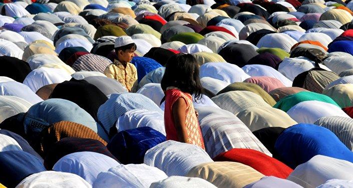 Musulmanes rezando (imagen referencial)