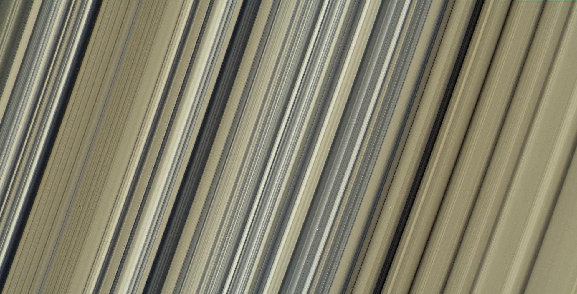 Imagen en alta resolución de los anillos de Saturno, el hogar de Cassini durante 13 años
