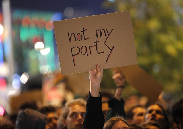 Protesta contra el partido euroescéptico Alternativa para Alemania en Berlín