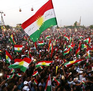 Banderas de Kurdistán en un mitin independentista (archivo)