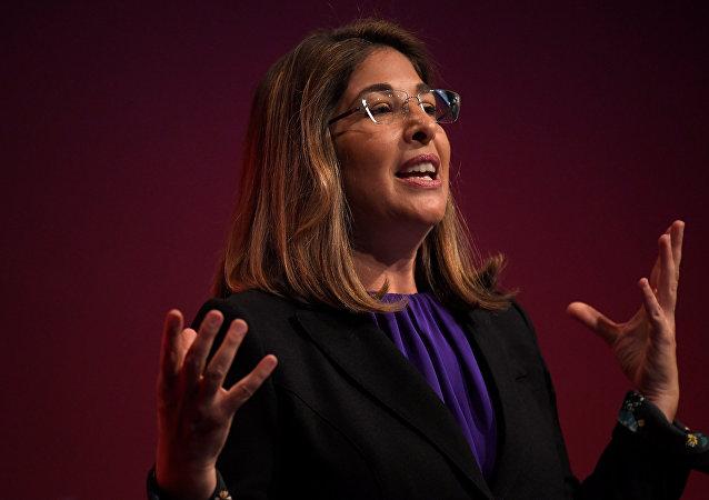 Autora y activista canadiense, Naomi Klein, durante su intervención en el congreso del Partido Laborista británico