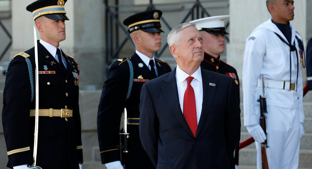 Atacan en Afganistán a secretario del Pentágono
