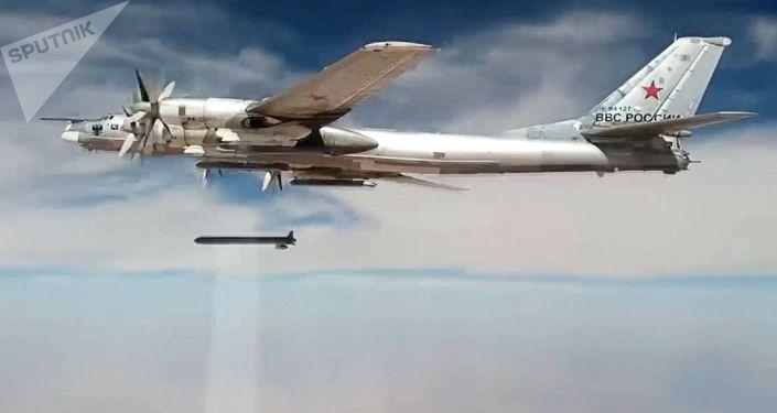 Ataques con misiles de crucero rusos Kh-101 sobre objetivos de terroristas en Siria
