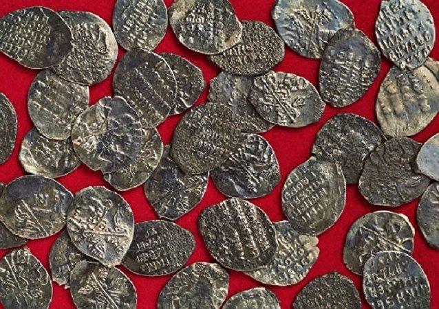 Un tesoro del siglo XVII encontrado en Moscú