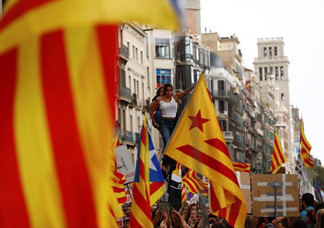 Los estudiantes se manifiestan por el referéndum independista en Barcelona