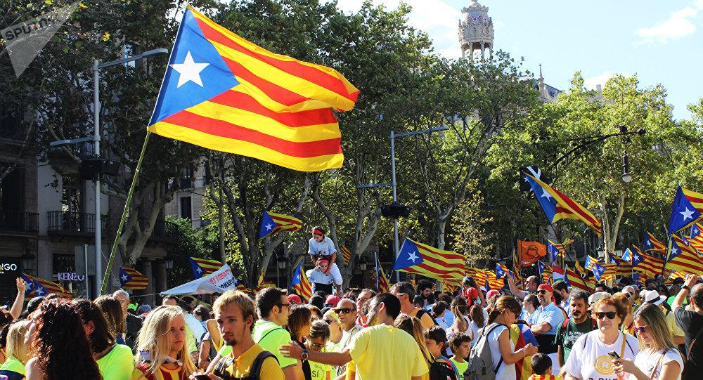 Parlamento de Cataluña aprueba declarar la independencia