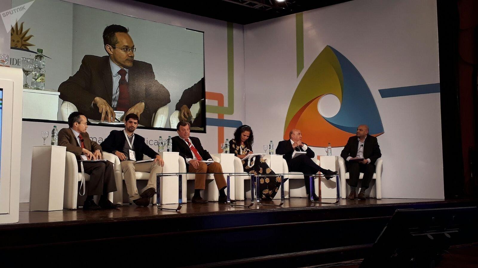 Panel sobre desarrollo en el Día Internacional por el Acceso a la Información Pública en la actividad organizada por UNESCO en Montevideo