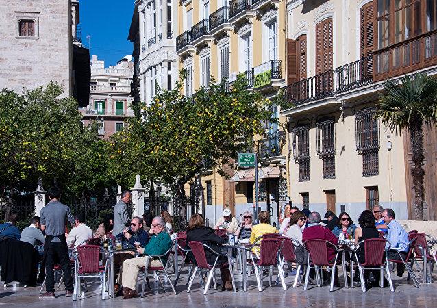 Turistas en Valencia, España (imagen referencial)