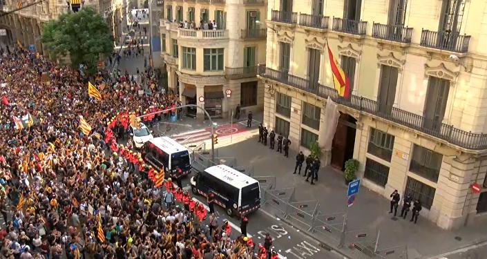 Consecuencias del 1-O: manifestaciones contra la violencia policial en Cataluña