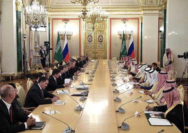 Las negociaciones del presidente de Rusia, Vladímir Putin, y el rey de Arabia Saudí, Salman bin Abdulaziz Saud