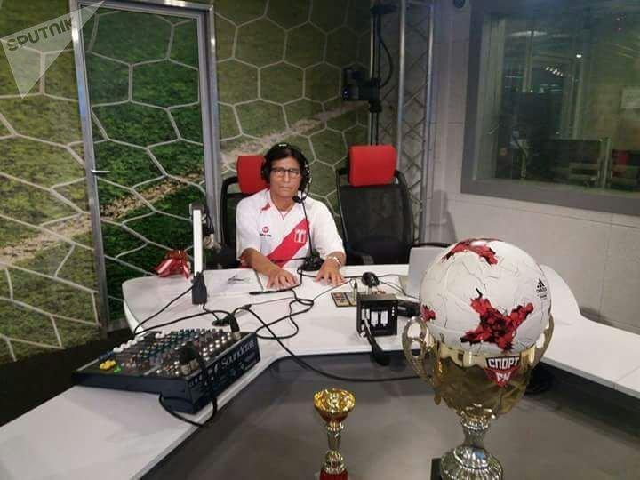 Lorenzo de Chosica en los estudios de la emisora deportiva rusa Sport FM