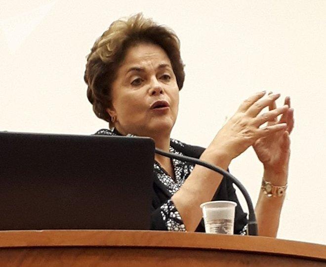Dilma Rousseff comenta escenario político de Brasil en visita a Rusia