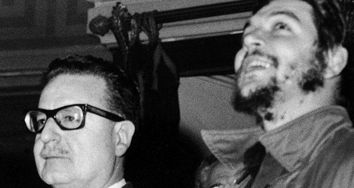 El Che Guevara y Salvador Allende