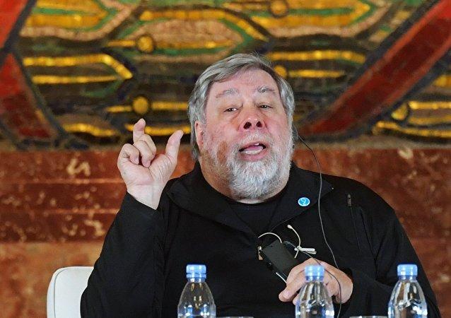 El discurso del cofundador de Apple Wozniak en la Universidad de Moscú