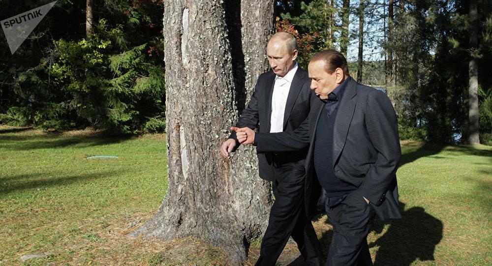 Vladimir Putin y Silvio Berlusconi (archivo)