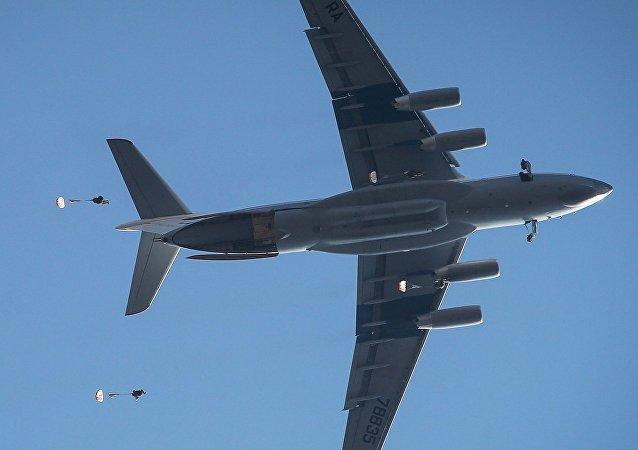 Un avión Il-76