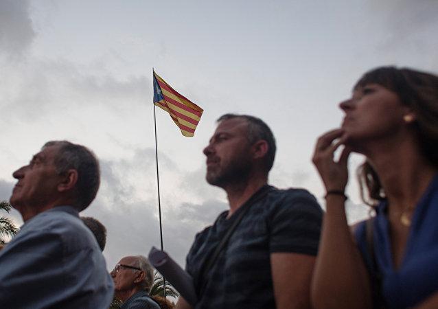 Catalanes ante el discurso de Carles Puigdemont