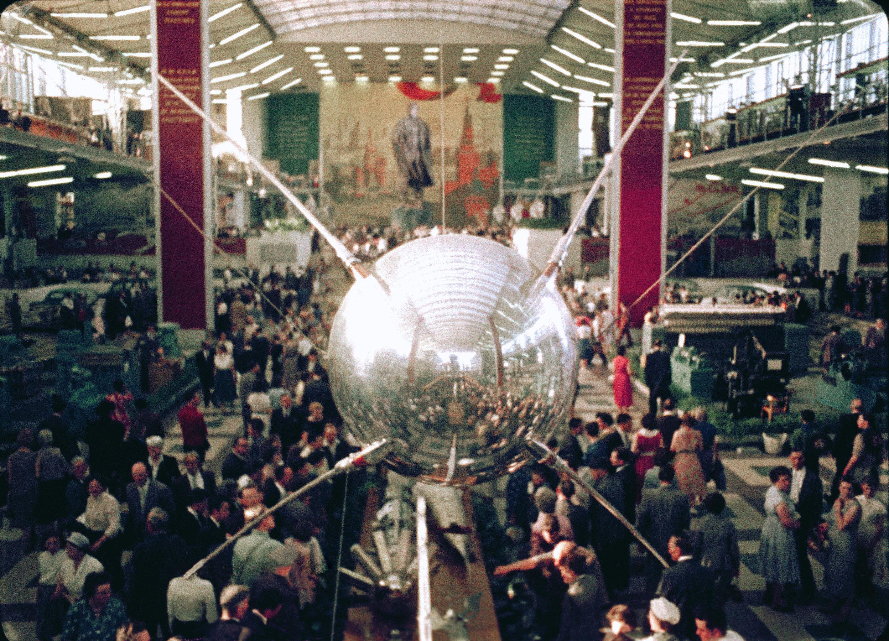 Copia del Sputnik 1, mostrado durante la feria EXPO 58 en Bruselas.