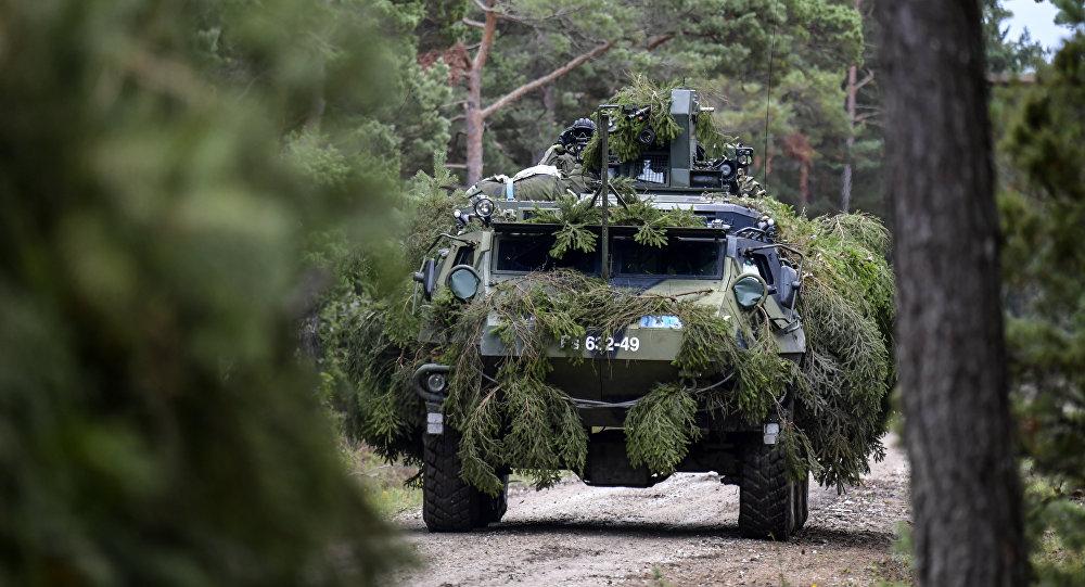 Un vehículo blindado de la OTAN en el Báltico