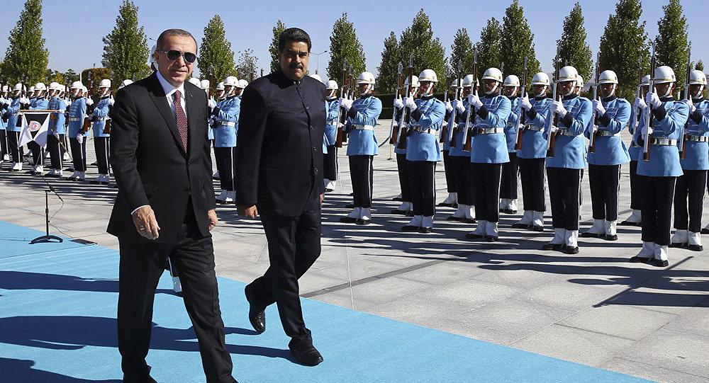 Recep Tayyip Erdogan, presidente de Turquía, y Nicolás Maduro, presidente de Venezuela (archivo)