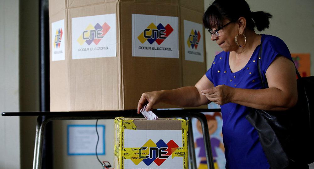 Venezuela eligió gobernadores y Maduro se atribuyó el triunfo