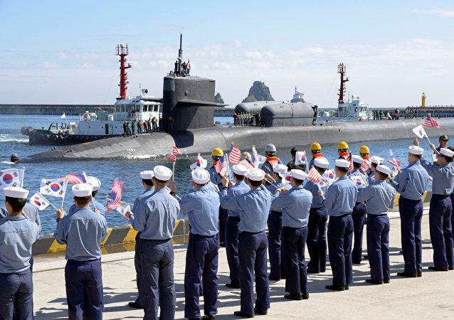 Submarino nuclear USS Michigan en Corea del Sur