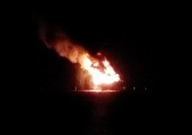 La plataforma petrolífera en el lago Portchartrain, en Lousiana, EEUU, tras la explosión el 15 de octubre de 2017