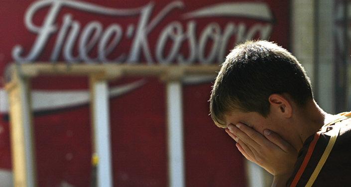 Niño en Kosovo, Serbia (archivo)