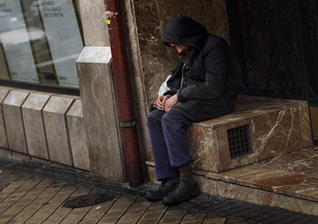 Una persona sin techo en Madrid