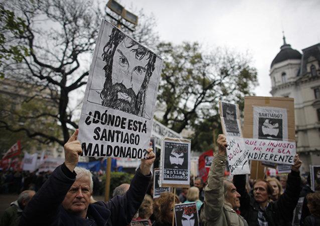 Protestas contra la desaparición del activista argentino Santiago Maldonado  (archivo)
