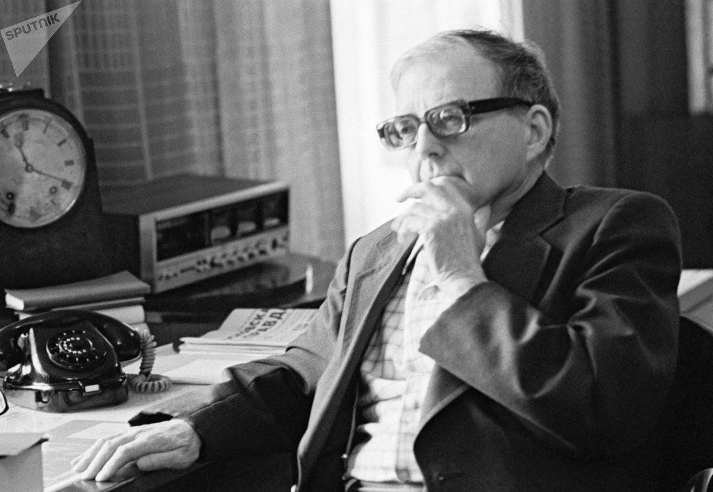 El compositor ruso Dmitry Shostakovich (1906-1975).