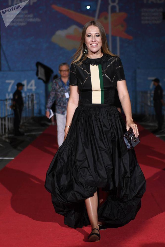 Una candidata contra todos: Ksenia Sobchak entra en la carrera presidencial rusa