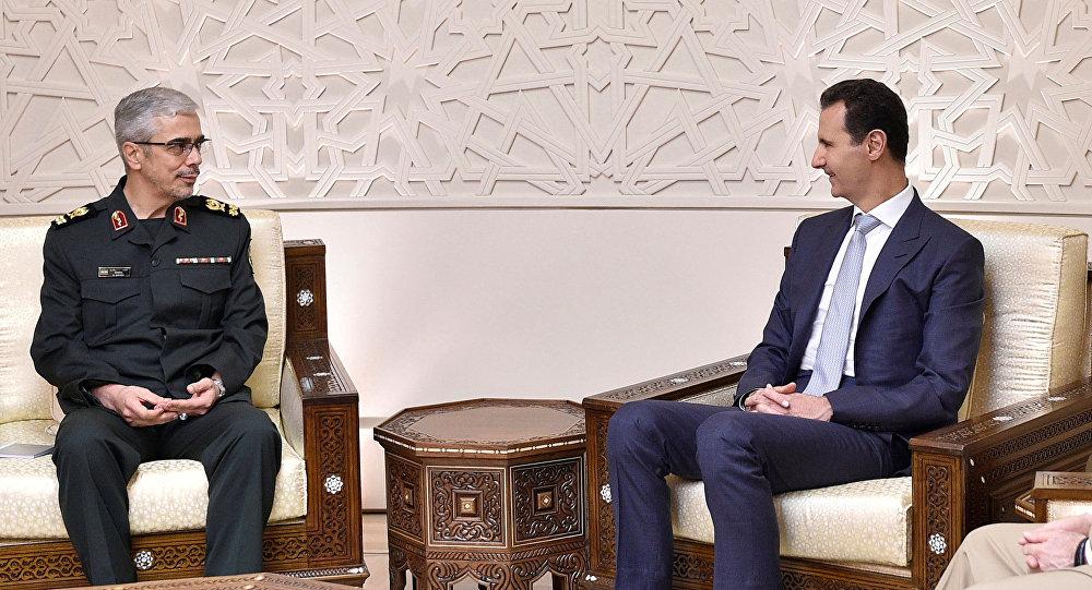 El jefe del Estado Mayor iraní, Mohammad Baqeri, y el presidente de Siria, Bashar Asad