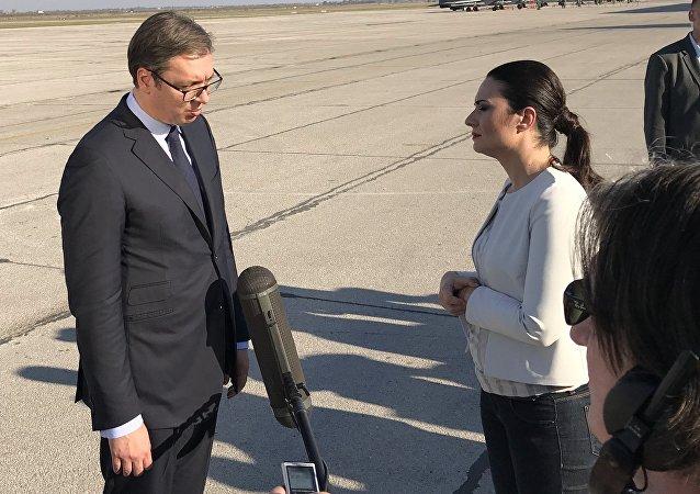 El presidente de Serbia, Aleksandar Vucic, durante el discurso en el aeródromo militar de Batainitsa