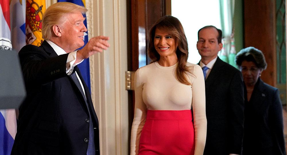Melania Trump, primera dama de EEUU (centro)