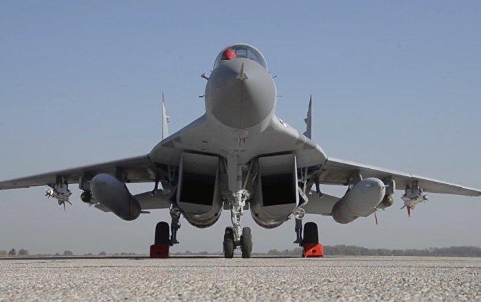 Los MiG-29 regalados por Rusia surcan los cielos serbios